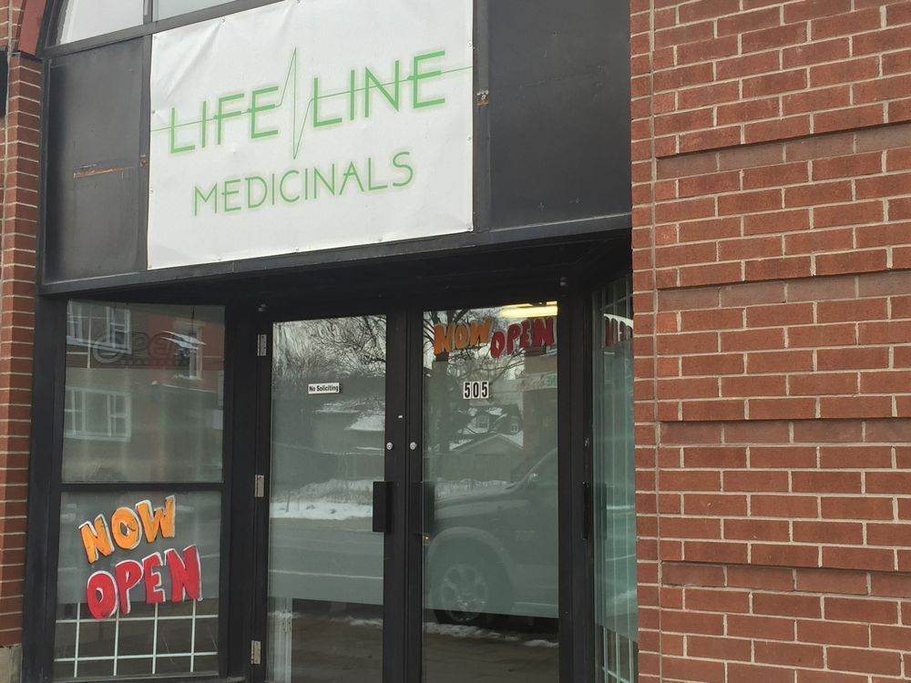 What customers pay for a gram of pot in Ottawa